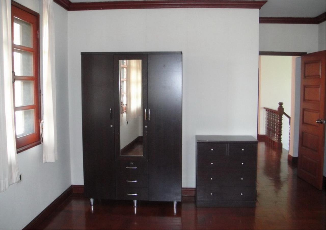 Bangkok Residential Agency's 4 Bed Single House in Compound For Rent in Bang Na BR2096CD 4