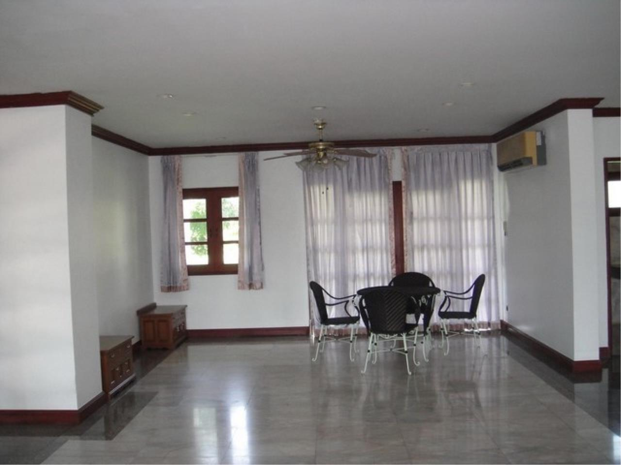 Bangkok Residential Agency's 4 Bed Single House in Compound For Rent in Bang Na BR2096CD 1