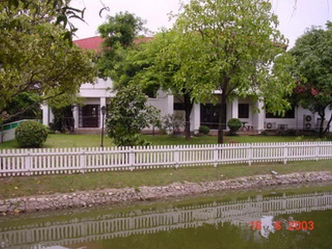 Bangkok Residential Agency's 4 Bed Single House in Compound For Rent in Bang Na BR2096CD 7
