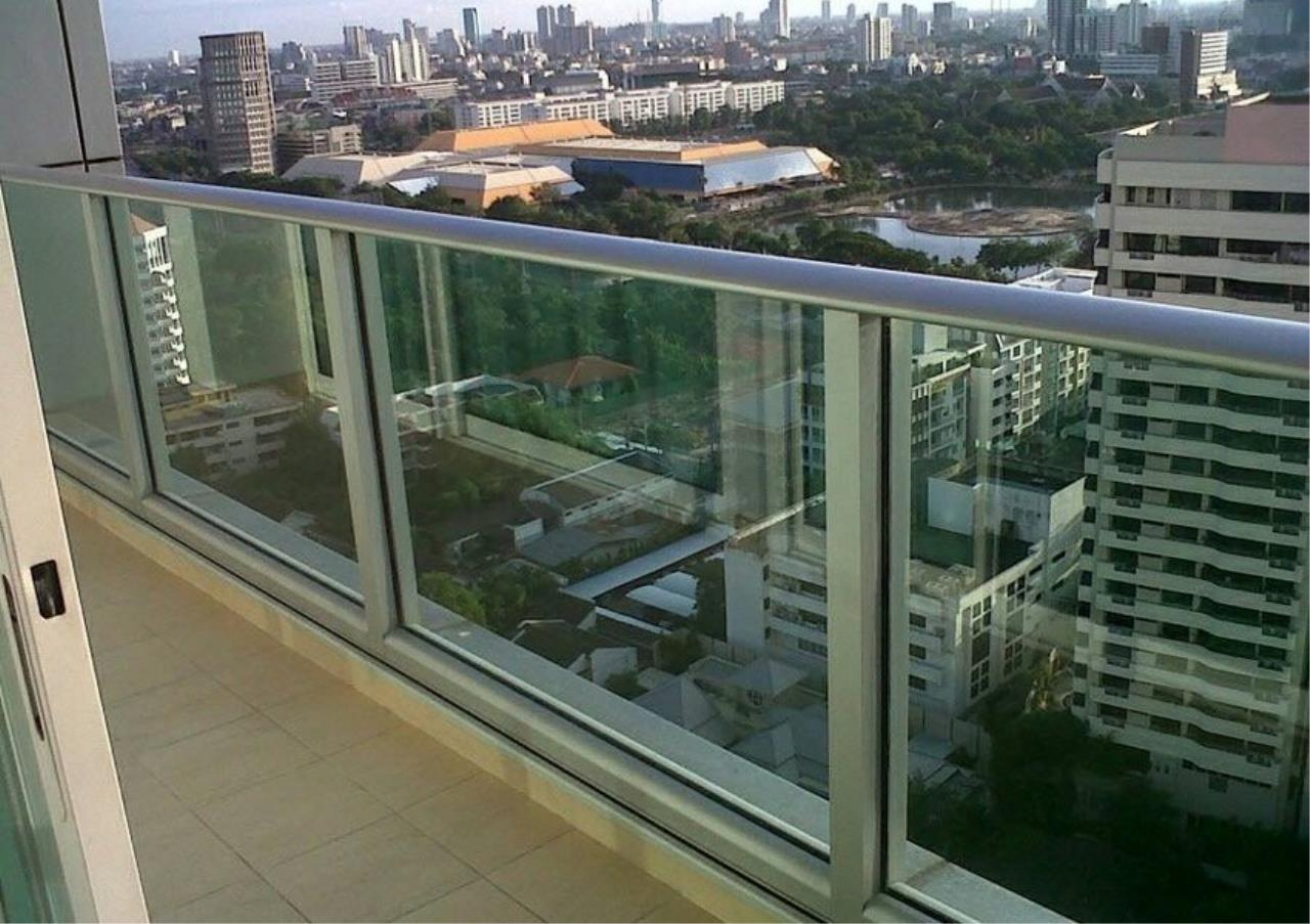 Bangkok Residential Agency's 3 Bed Condo For Rent in Asoke BR2127CD 10