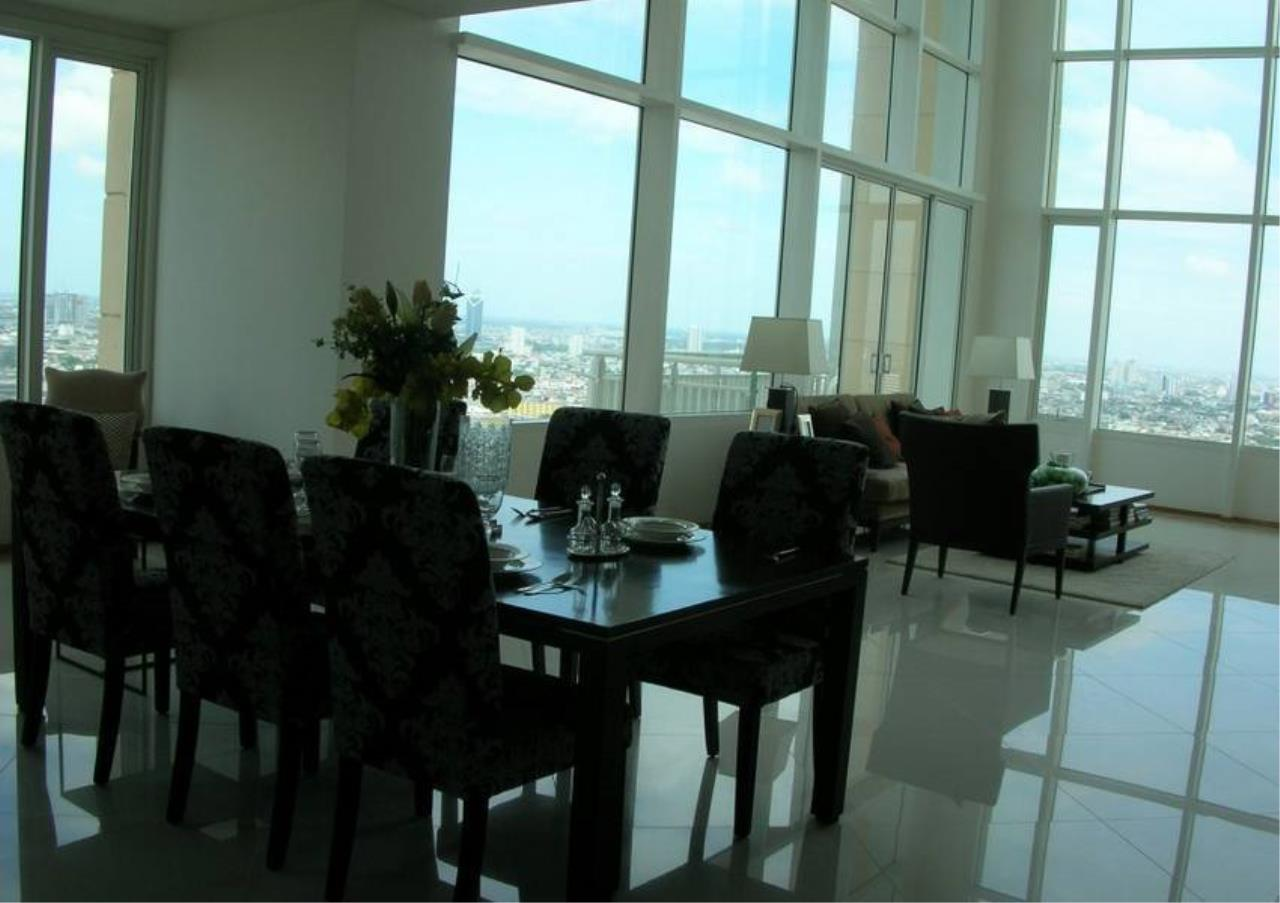 Bangkok Residential Agency's 4 Bed Condo For Rent in Sathorn BR2178CD 2
