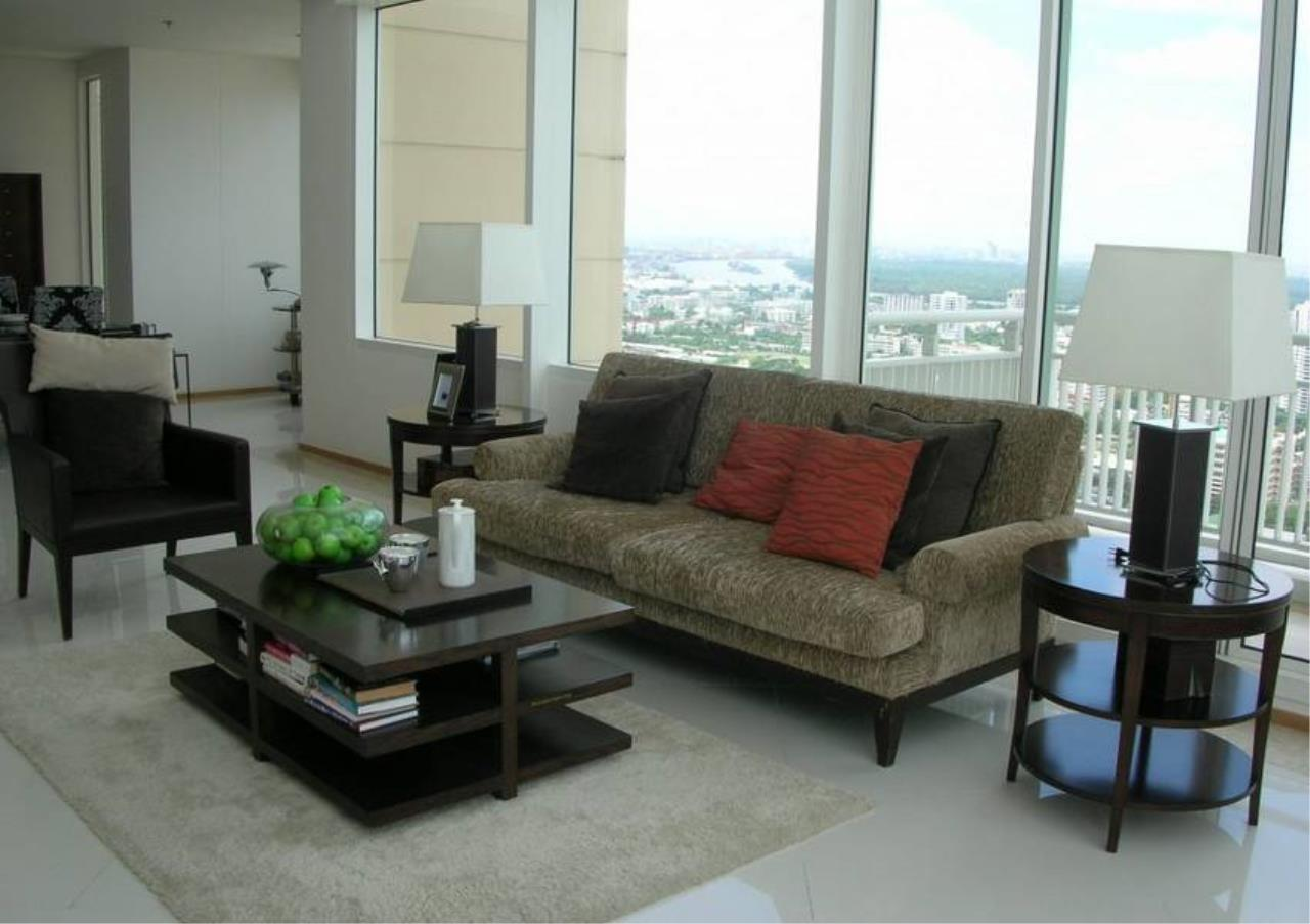 Bangkok Residential Agency's 4 Bed Condo For Rent in Sathorn BR2178CD 3