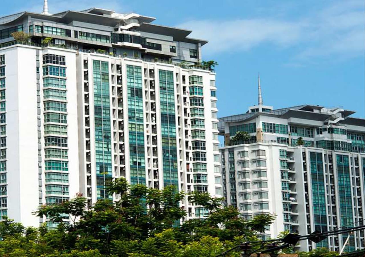 Bangkok Residential Agency's 3 Bed Condo For Rent in Ekkamai BR2218CD 2