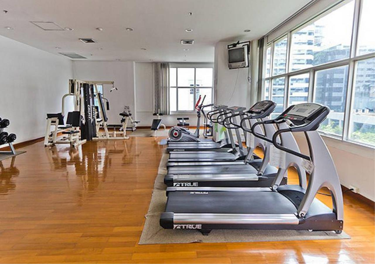 Bangkok Residential Agency's 3 Bed Condo For Rent in Chidlom BR2229CD 2