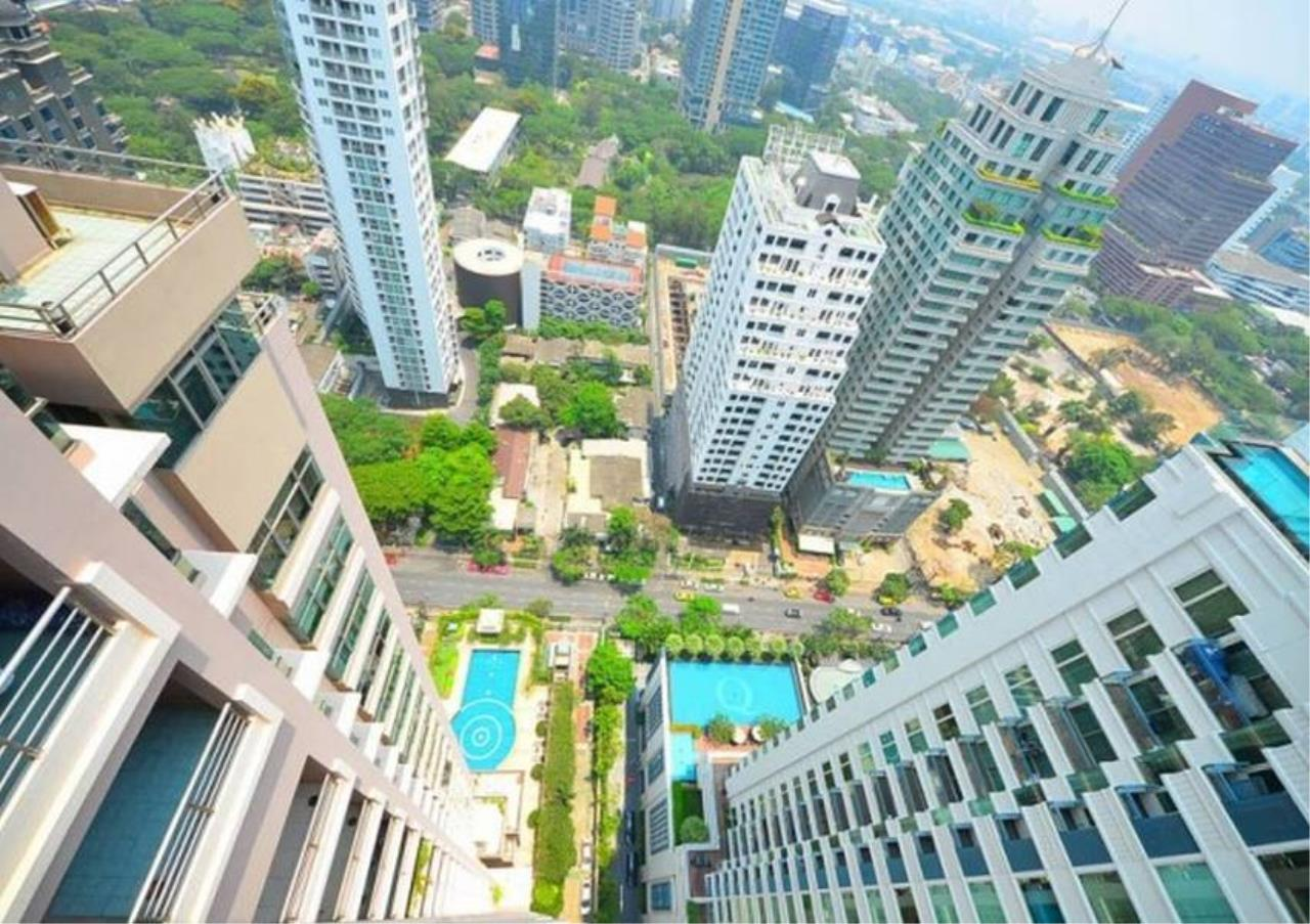 Bangkok Residential Agency's 3 Bed Condo For Rent in Chidlom BR2229CD 4