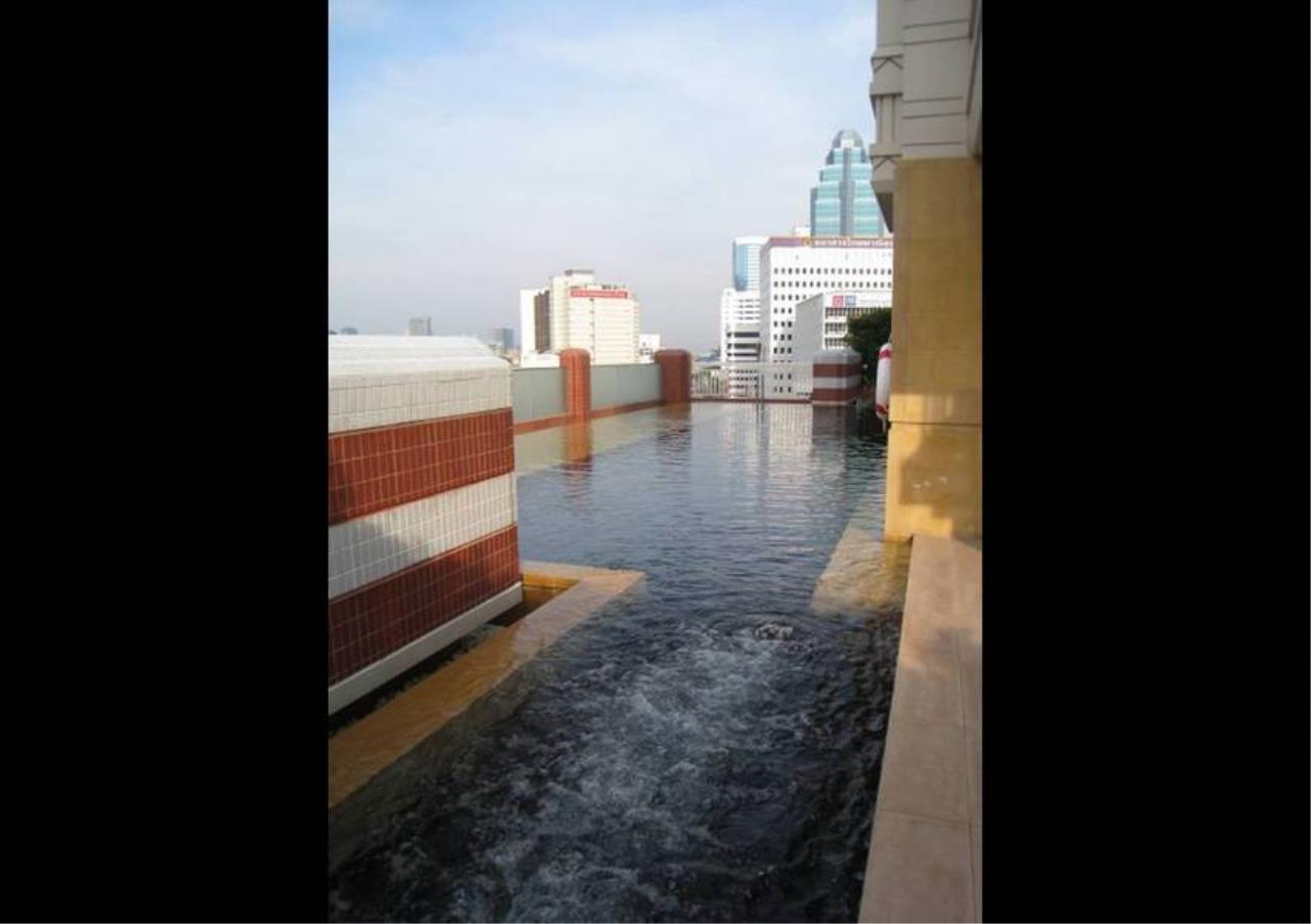Bangkok Residential Agency's 2 Bed Condo For Rent in Chidlom BR2249CD 1