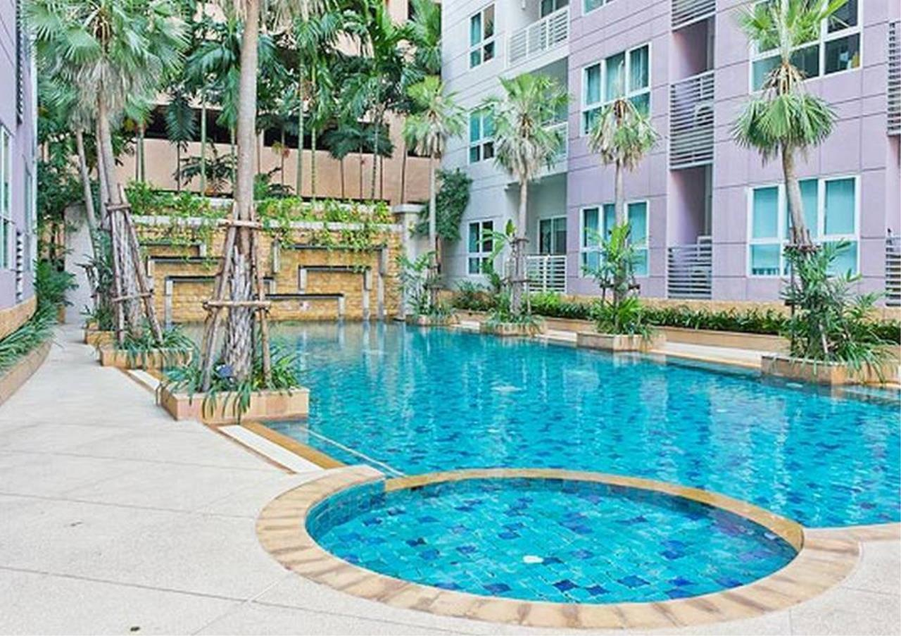 Bangkok Residential Agency's 2 Bed Condo For Rent in Ekkamai BR2263CD 1
