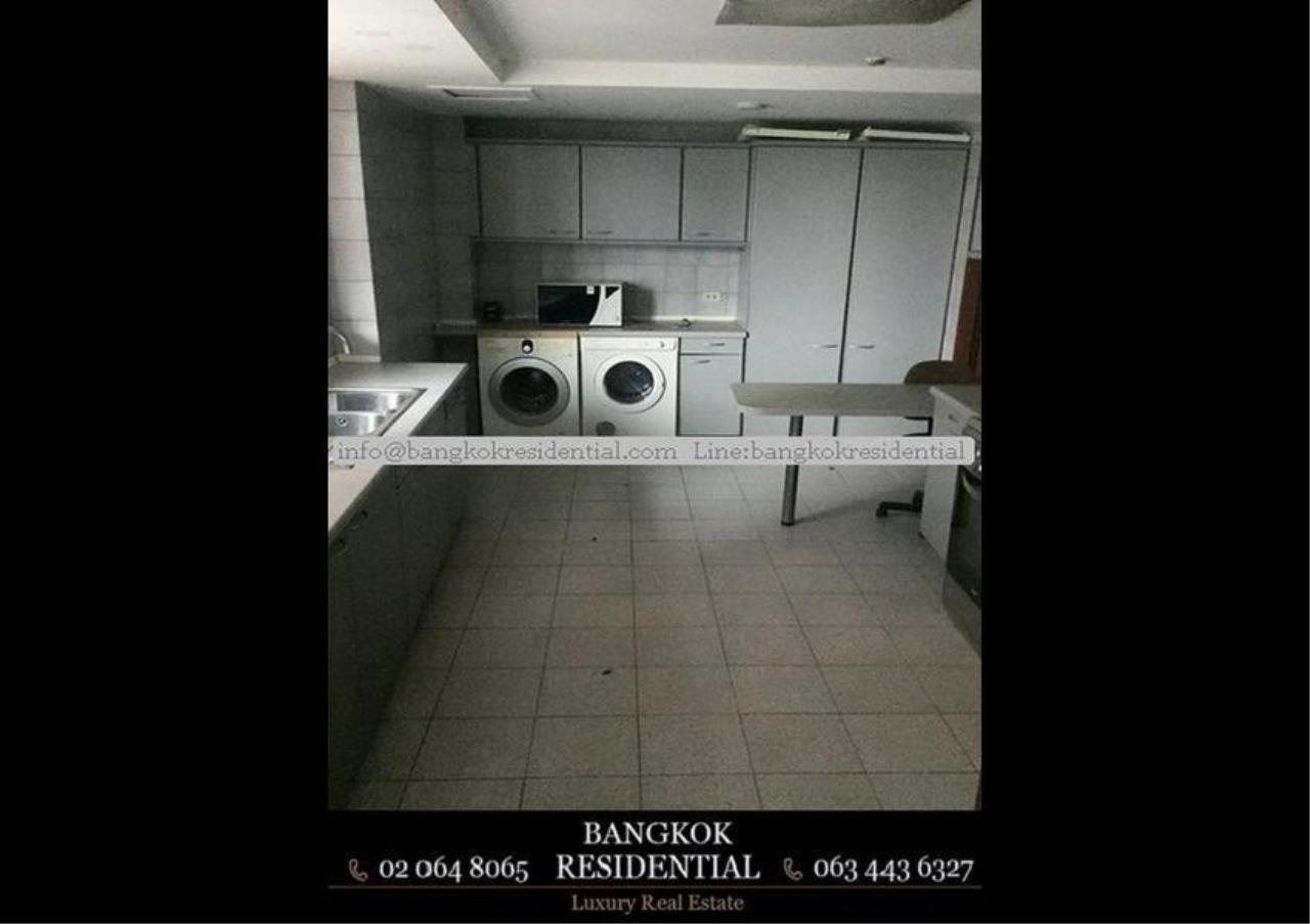 Bangkok Residential Agency's 3 Bed Condo For Rent in Phrom Phong BR2286CD 14