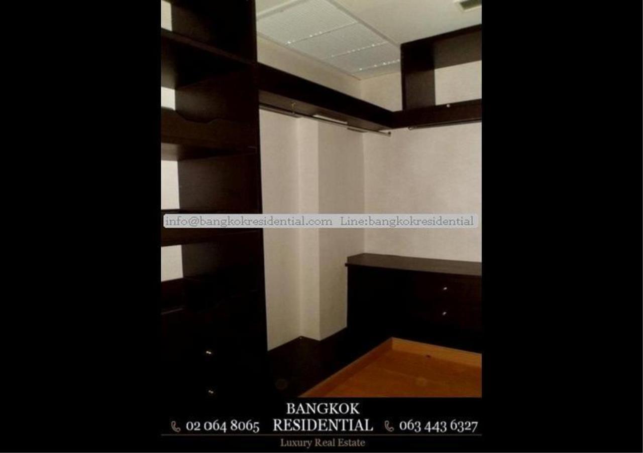 Bangkok Residential Agency's 3 Bed Condo For Rent in Ekkamai BR2310CD 10