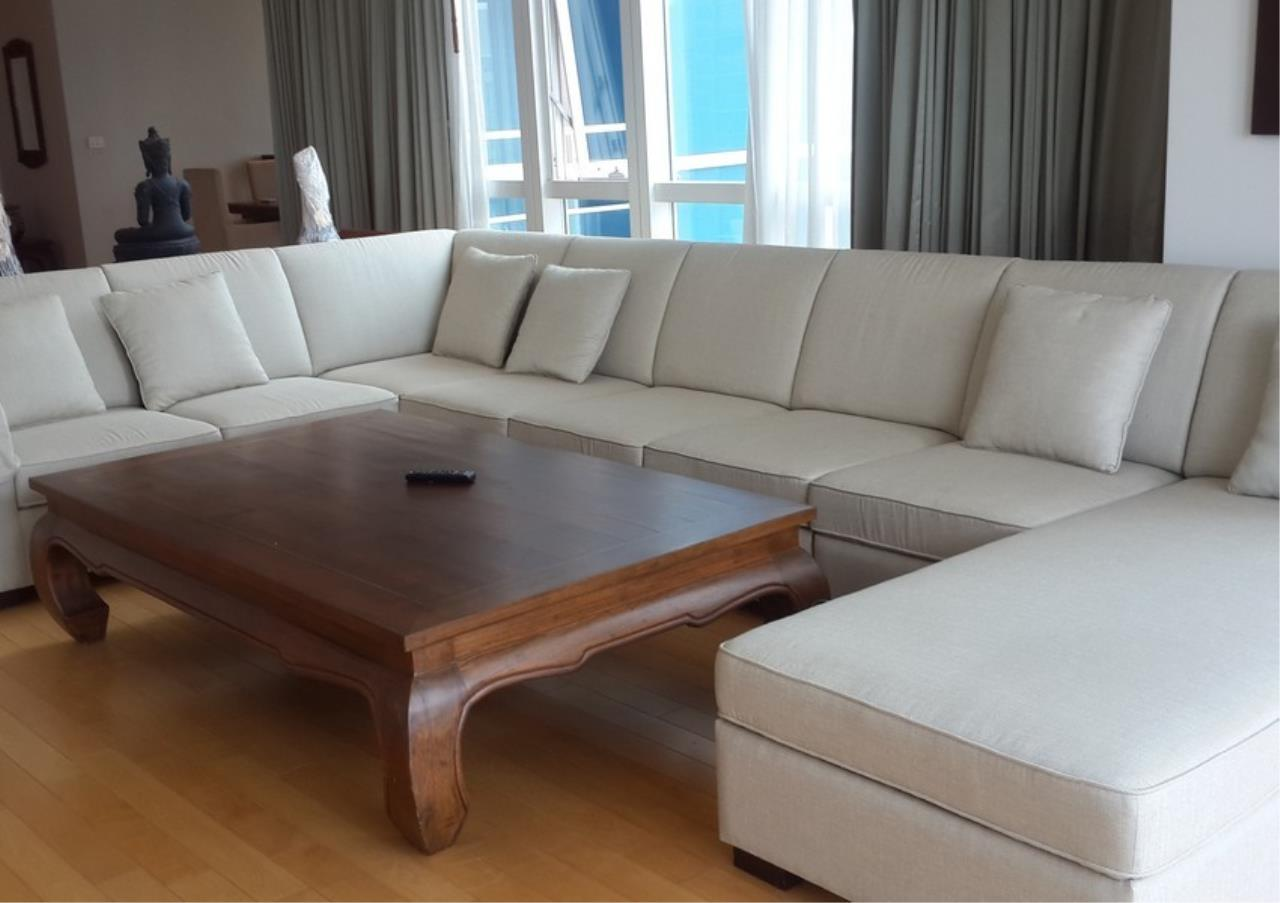 Bangkok Residential Agency's 4 Bed Condo For Rent in Phloenchit BR2324CD 1