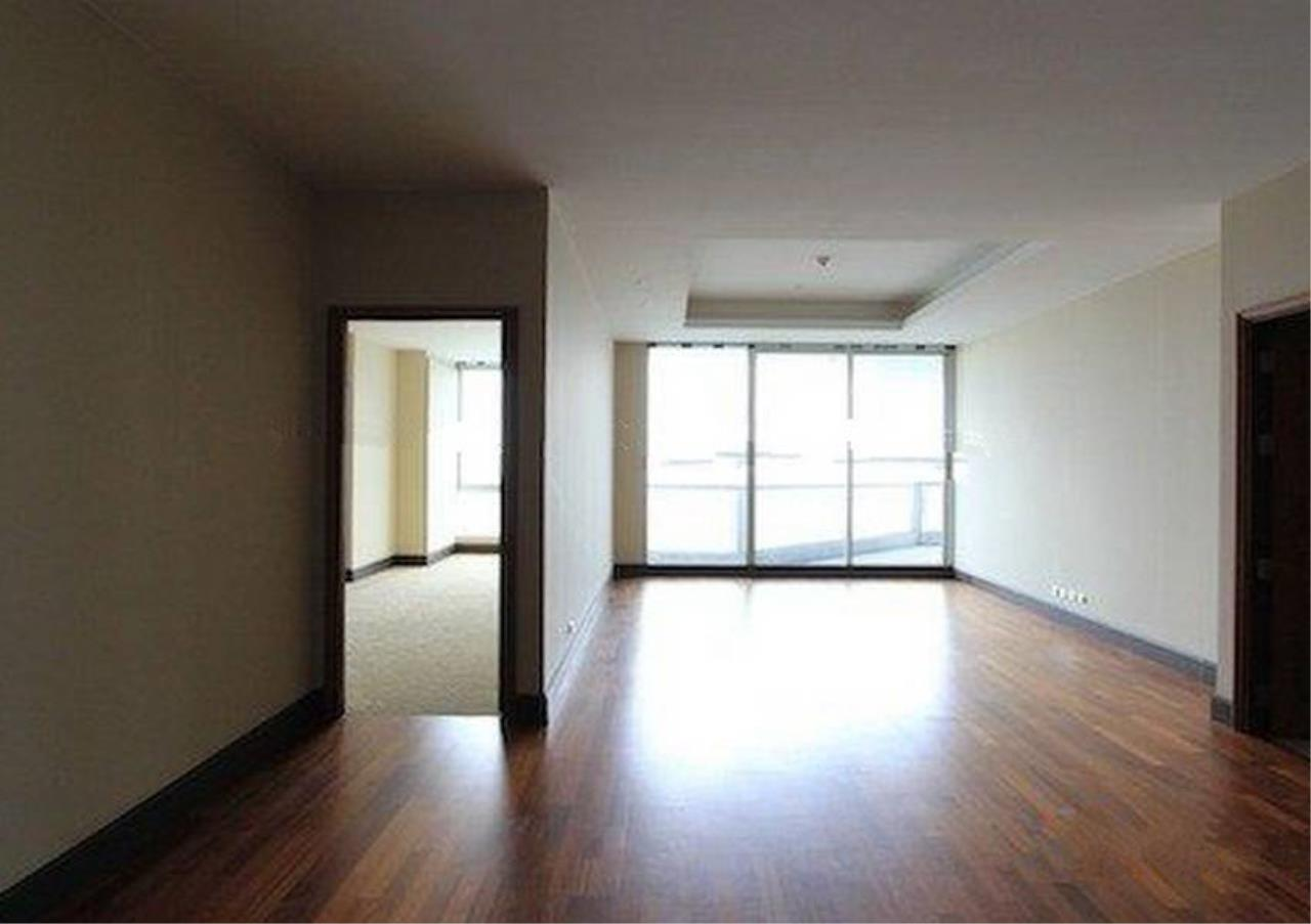 Bangkok Residential Agency's 2 Bed Condo For Rent in Sathorn BR2418CD 6