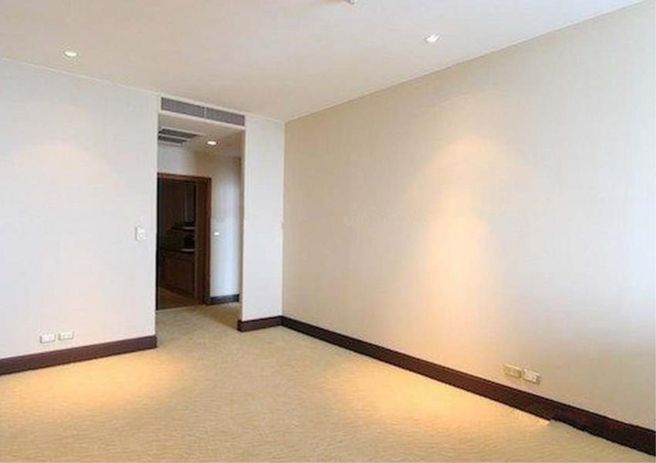 Bangkok Residential Agency's 2 Bed Condo For Sale in Sathorn BR2418CD 4