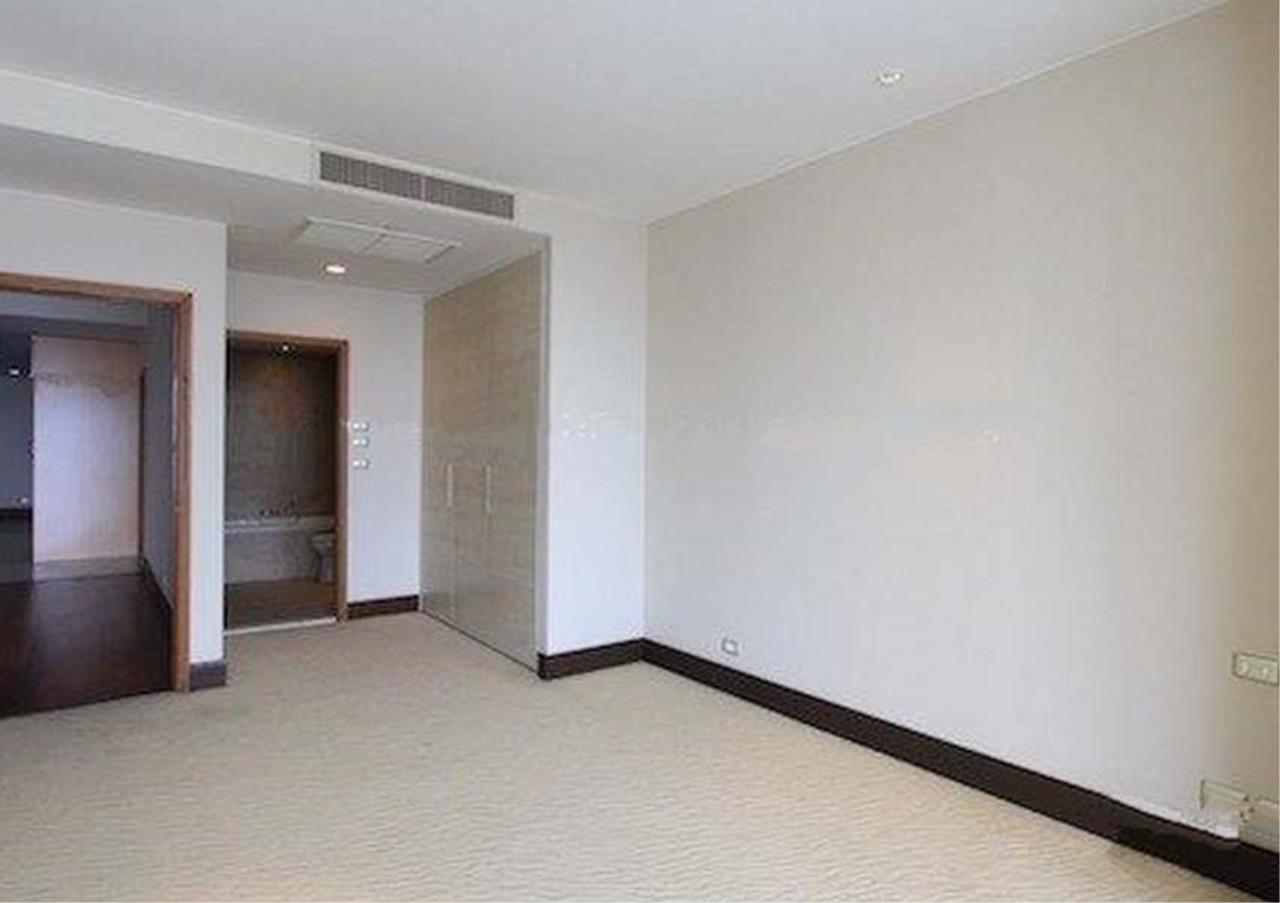 Bangkok Residential Agency's 2 Bed Condo For Sale in Sathorn BR2418CD 6