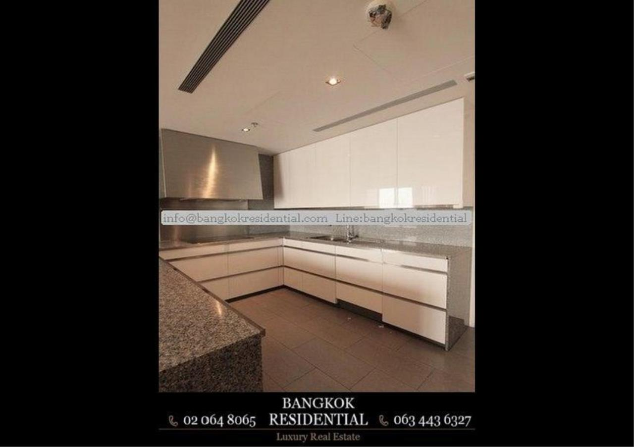 Bangkok Residential Agency's 3 Bed Condo For Rent in Sathorn BR2419CD 5
