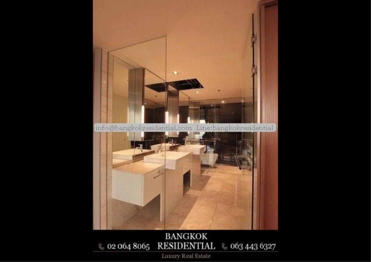 Bangkok Residential Agency's 3 Bed Condo For Rent in Sathorn BR2419CD 10