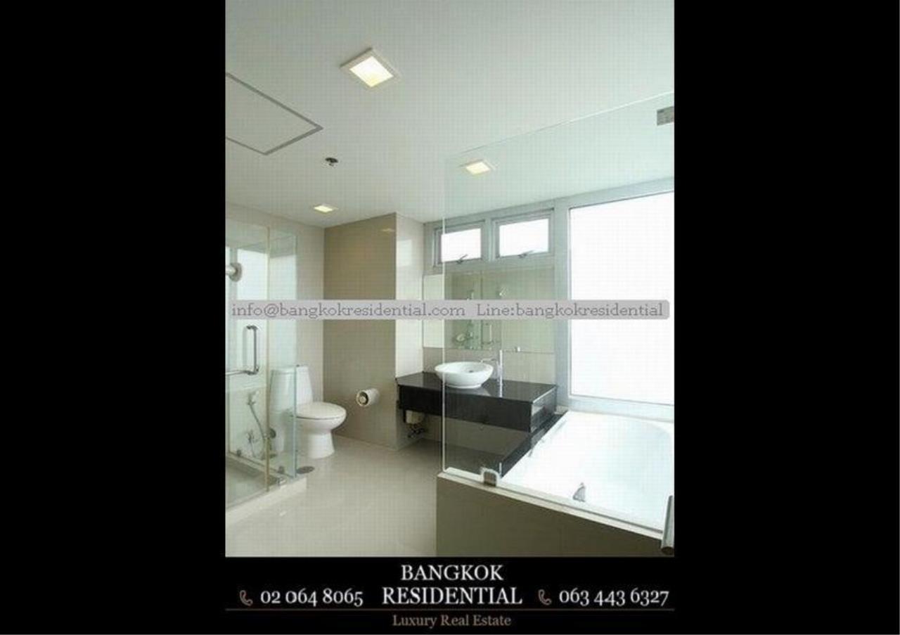 Bangkok Residential Agency's 3 Bed Condo For Rent in Ekkamai BR2474CD 21