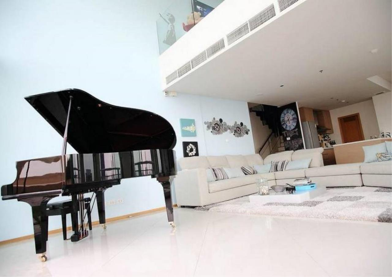 Bangkok Residential Agency's 3 Bed Condo For Rent in Sathorn BR2484CD 2