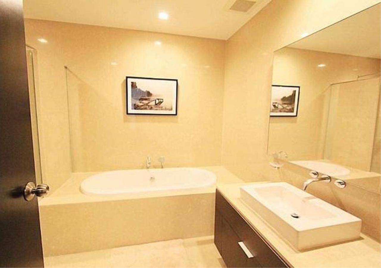 Bangkok Residential Agency's 2 Bed Condo For Rent in Phrom Phong BR2503CD 7