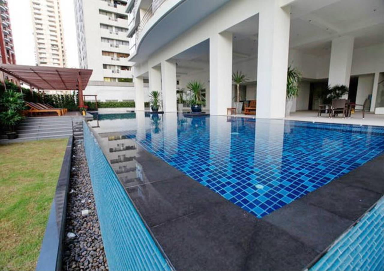 Bangkok Residential Agency's 2 Bed Condo For Rent in Ratchadamri BR2585CD 3