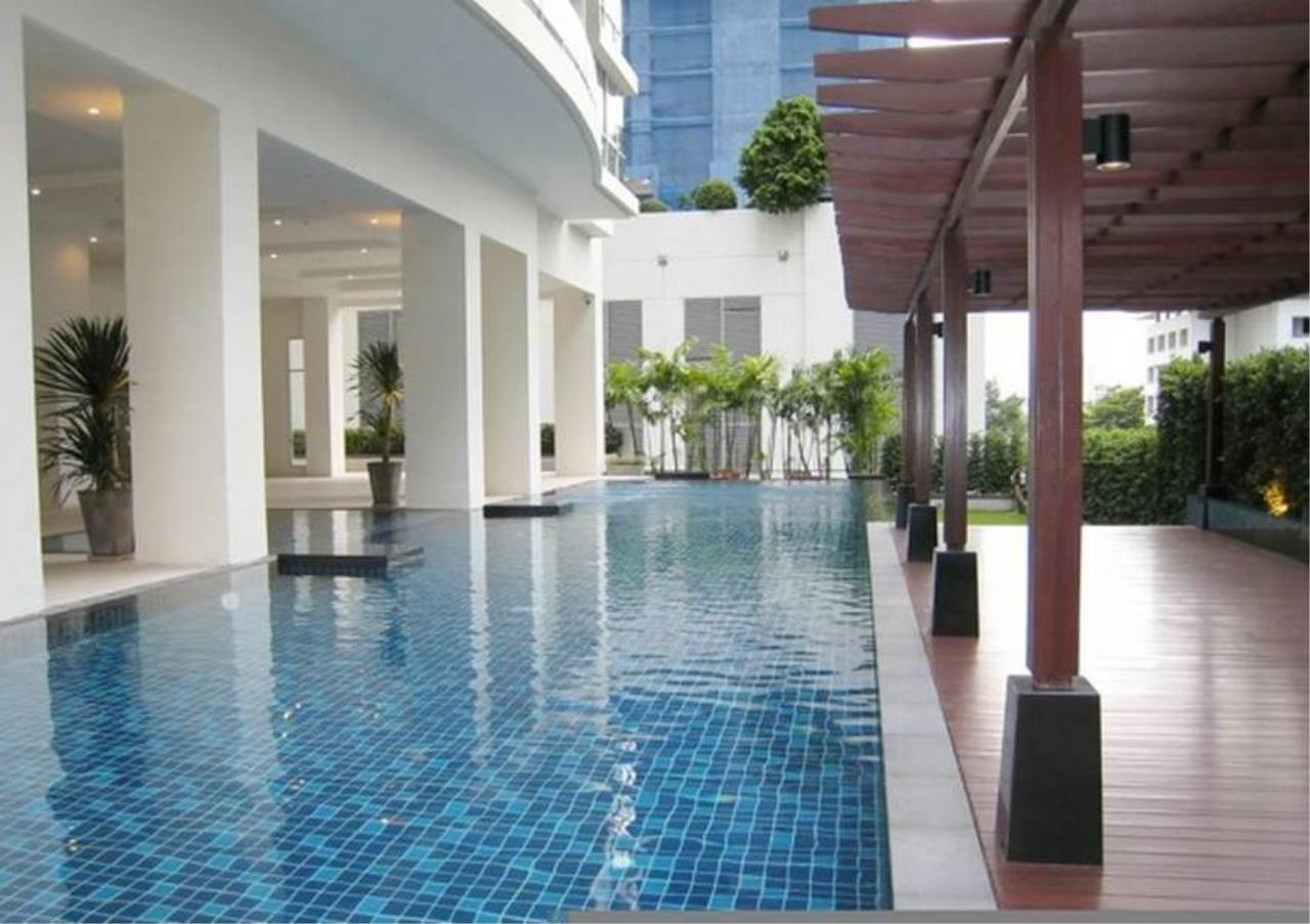 Bangkok Residential Agency's 2 Bed Condo For Rent in Ratchadamri BR2585CD 5
