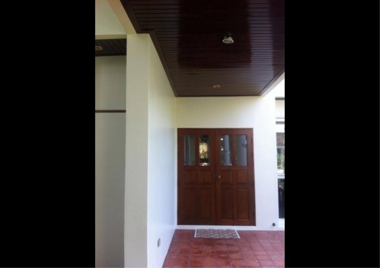 Bangkok Residential Agency's 3 Bed Single House in Compound For Rent in Ekkamai BR2621CD 4