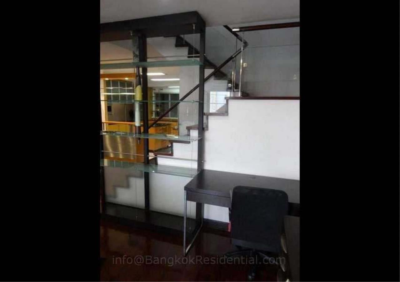 Bangkok Residential Agency's 2 Bed Duplex Condo For Rent in Phrom Phong BR2630CD 9