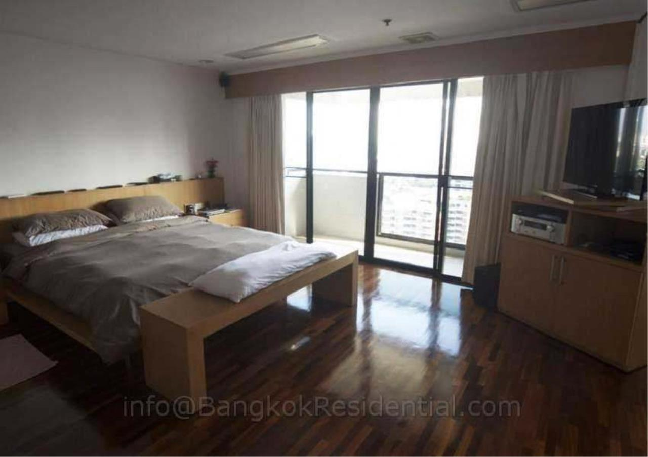 Bangkok Residential Agency's 2 Bed Duplex Condo For Rent in Phrom Phong BR2630CD 13