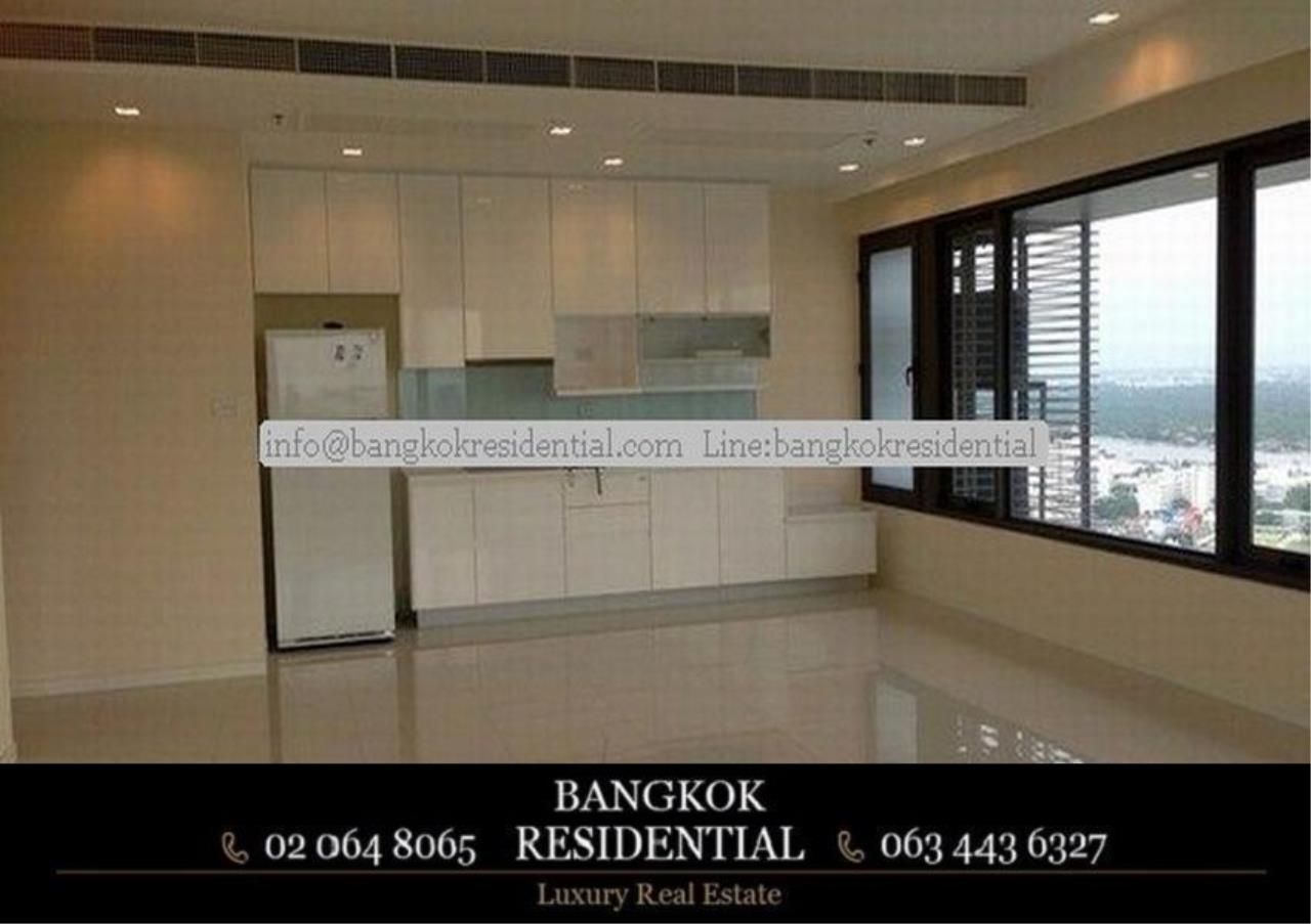 Bangkok Residential Agency's 3 Bed Condo For Rent in Sathorn BR2714CD 1