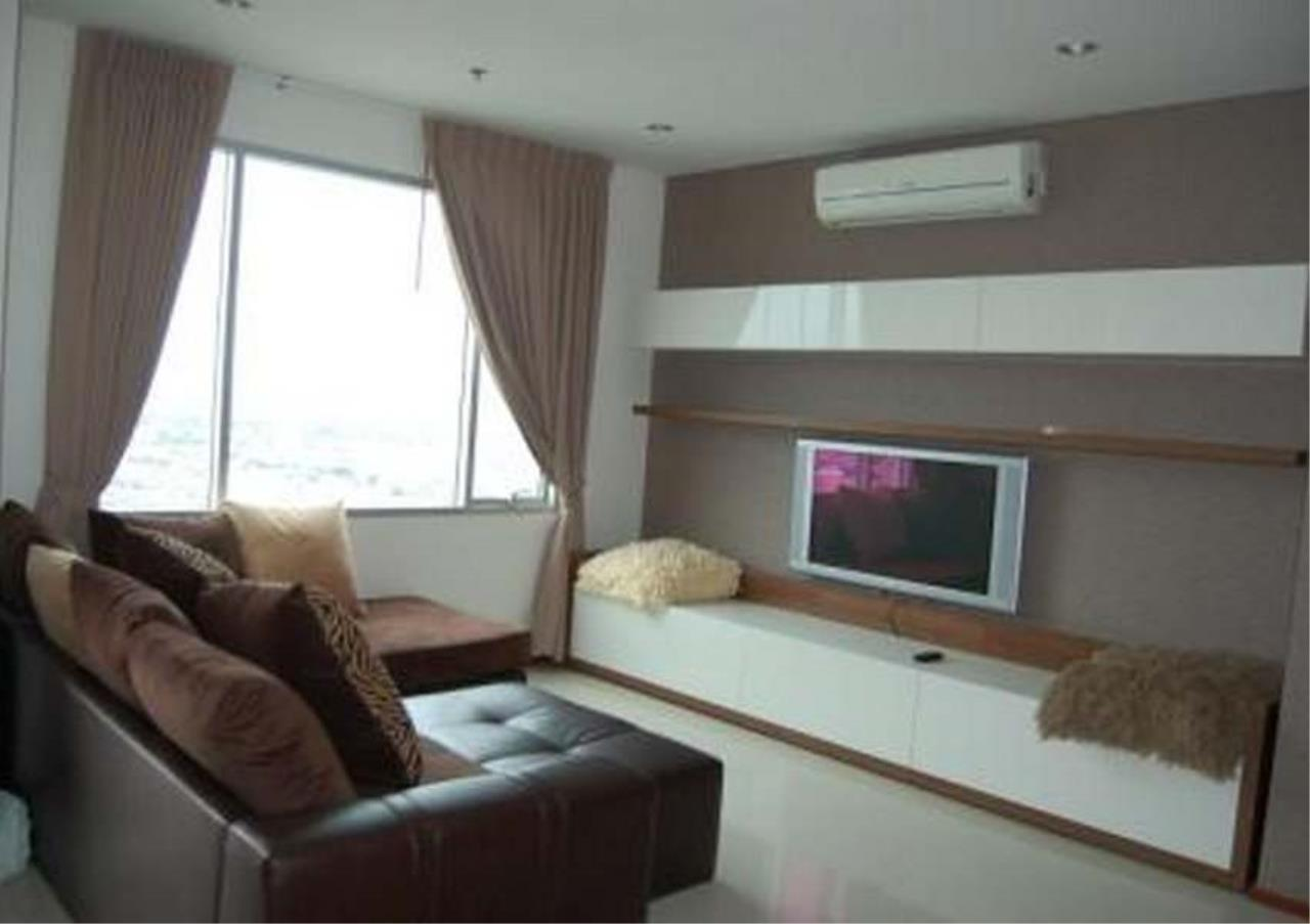 Bangkok Residential Agency's 3 Bed Condo For Rent Near Riverside BR2766CD 2