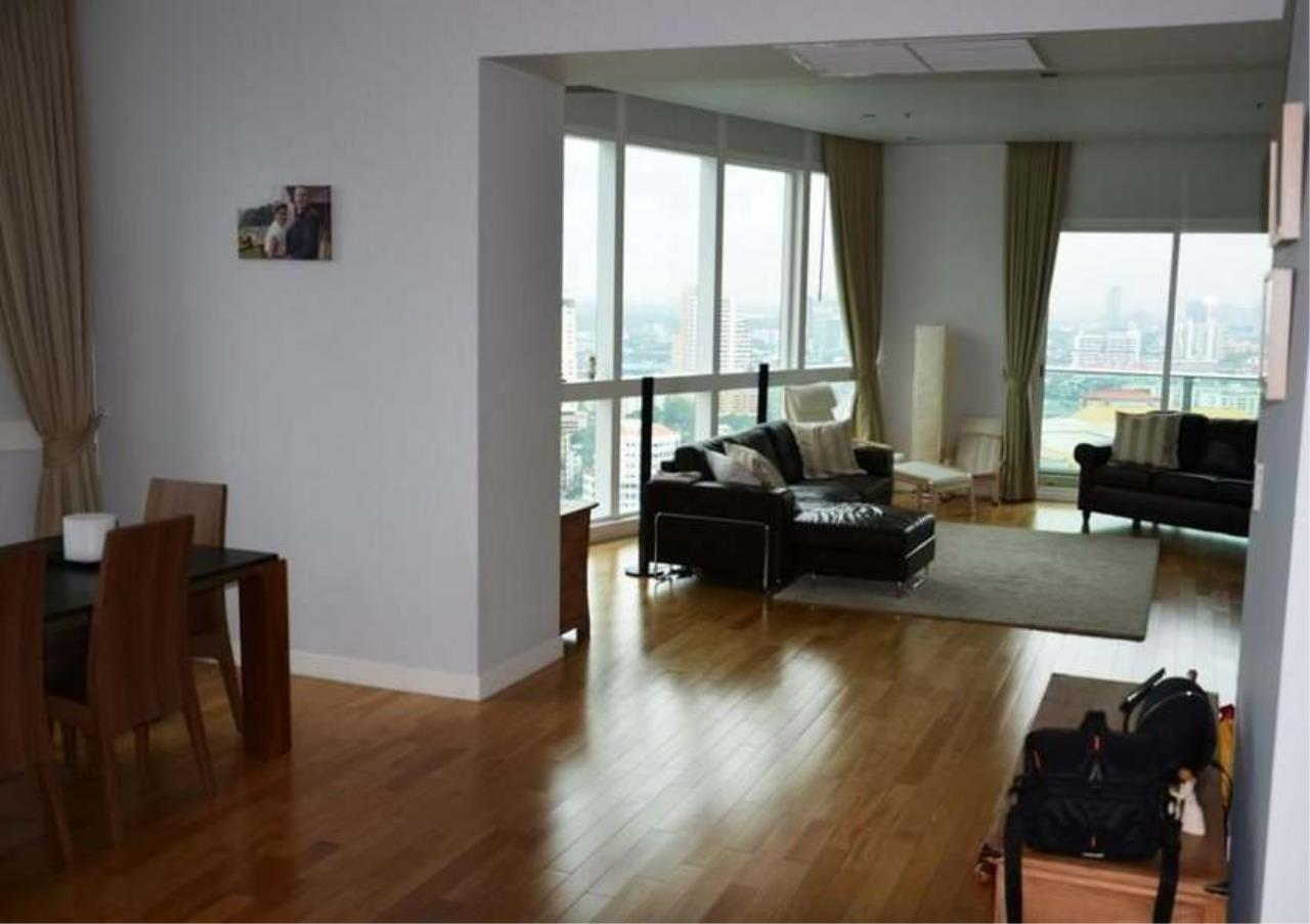 Bangkok Residential Agency's 3 Bed Condo For Rent in Asoke BR2774CD 2