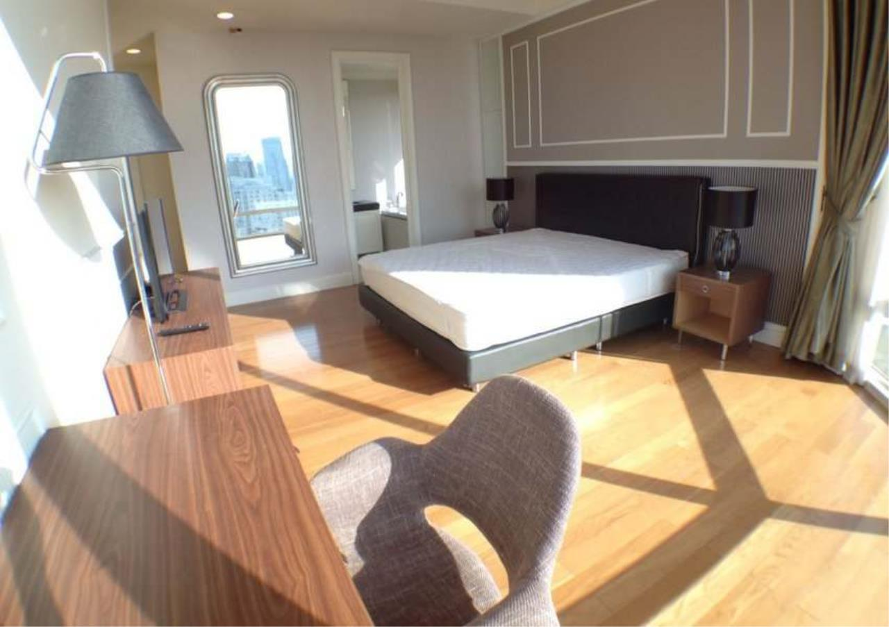 Bangkok Residential Agency's 3 Bed Condo For Rent in Asoke BR2828CD 2