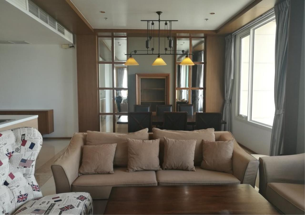 Bangkok Residential Agency's 3 Bed Condo For Rent in Sathorn BR2897CD 2