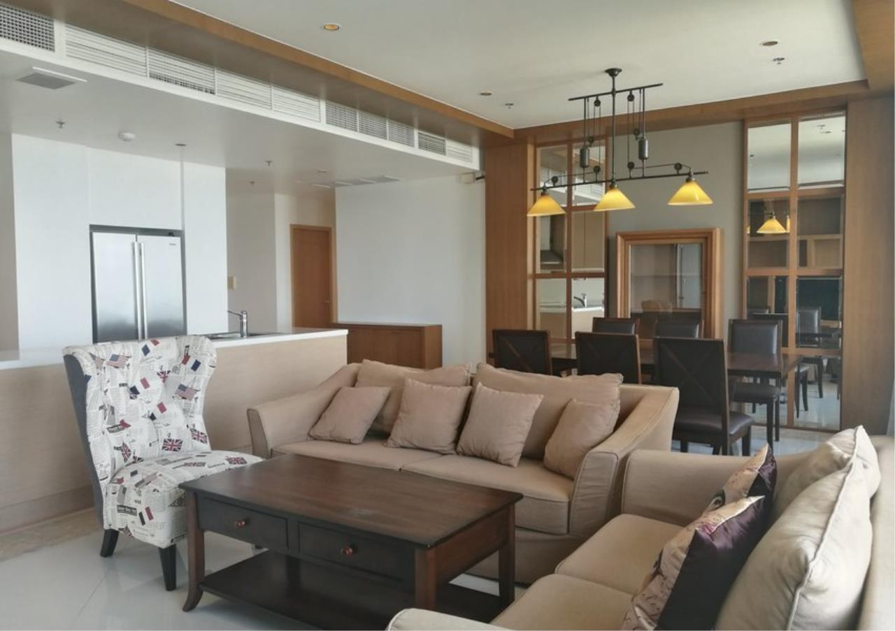 Bangkok Residential Agency's 3 Bed Condo For Rent in Sathorn BR2897CD 1