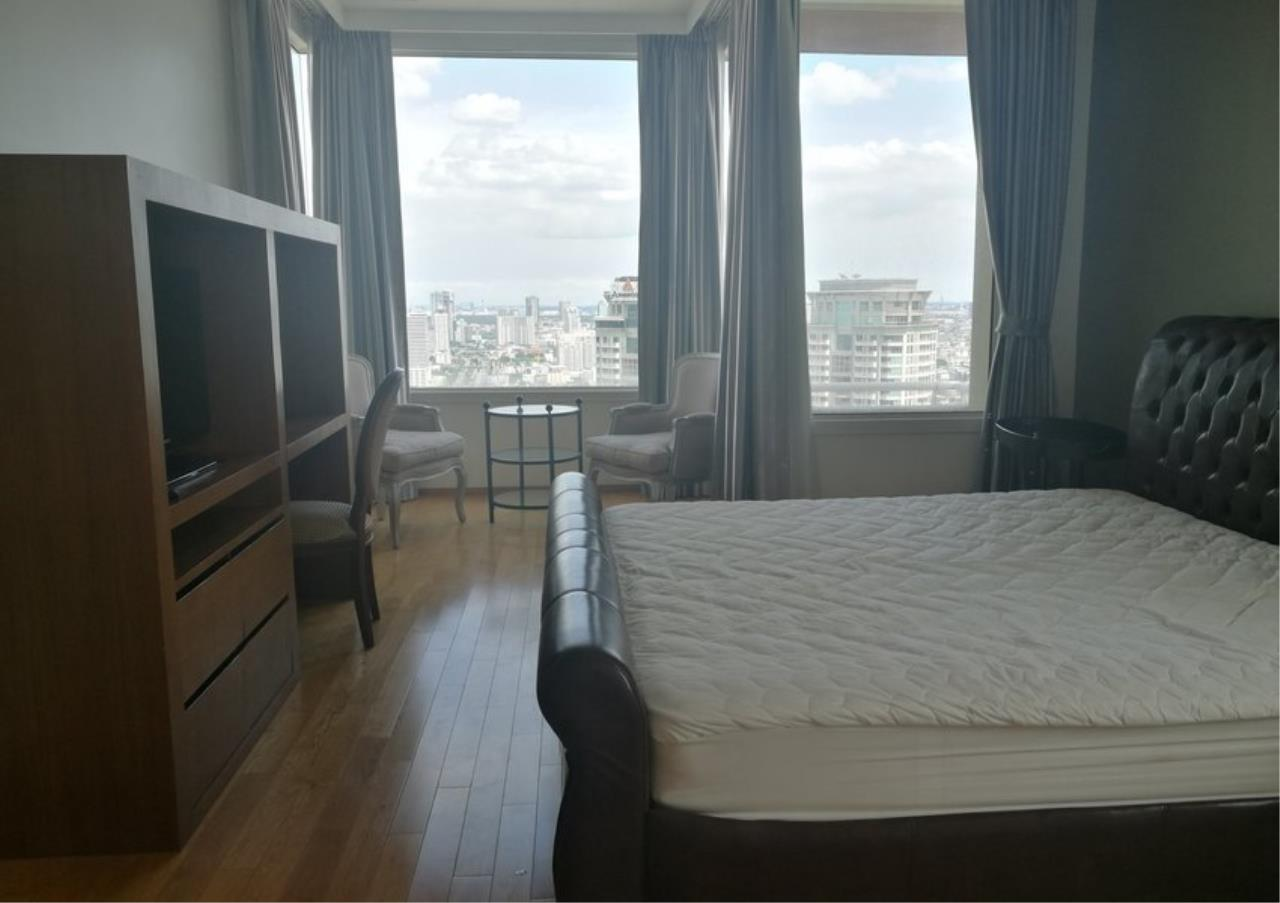 Bangkok Residential Agency's 3 Bed Condo For Rent in Sathorn BR2897CD 10