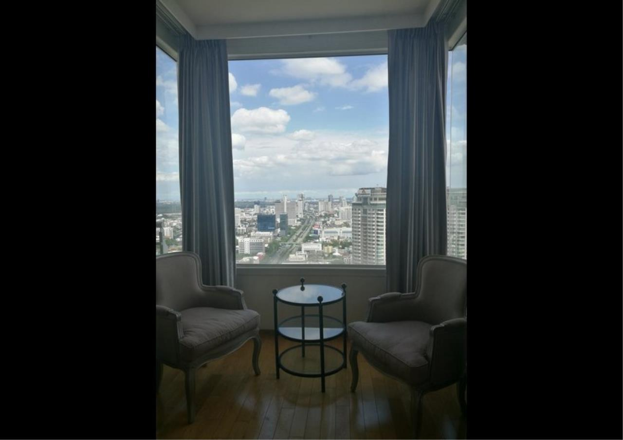 Bangkok Residential Agency's 3 Bed Condo For Rent in Sathorn BR2897CD 11