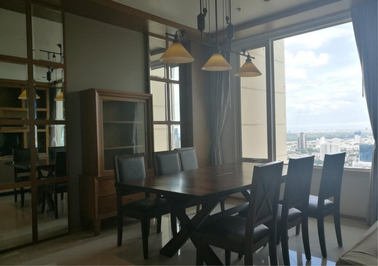 Bangkok Residential Agency's 3 Bed Condo For Rent in Sathorn BR2897CD 6