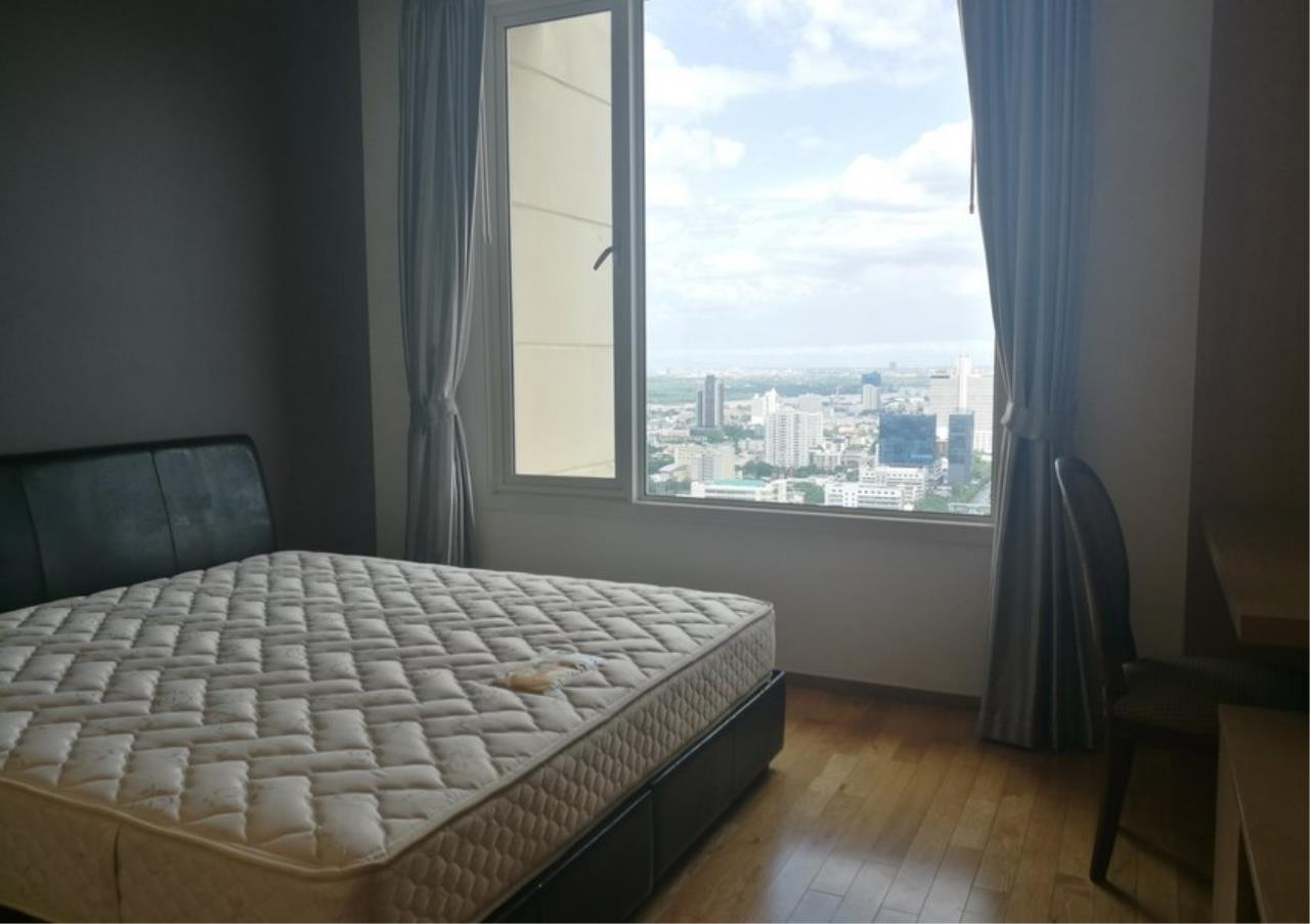 Bangkok Residential Agency's 3 Bed Condo For Rent in Sathorn BR2897CD 14