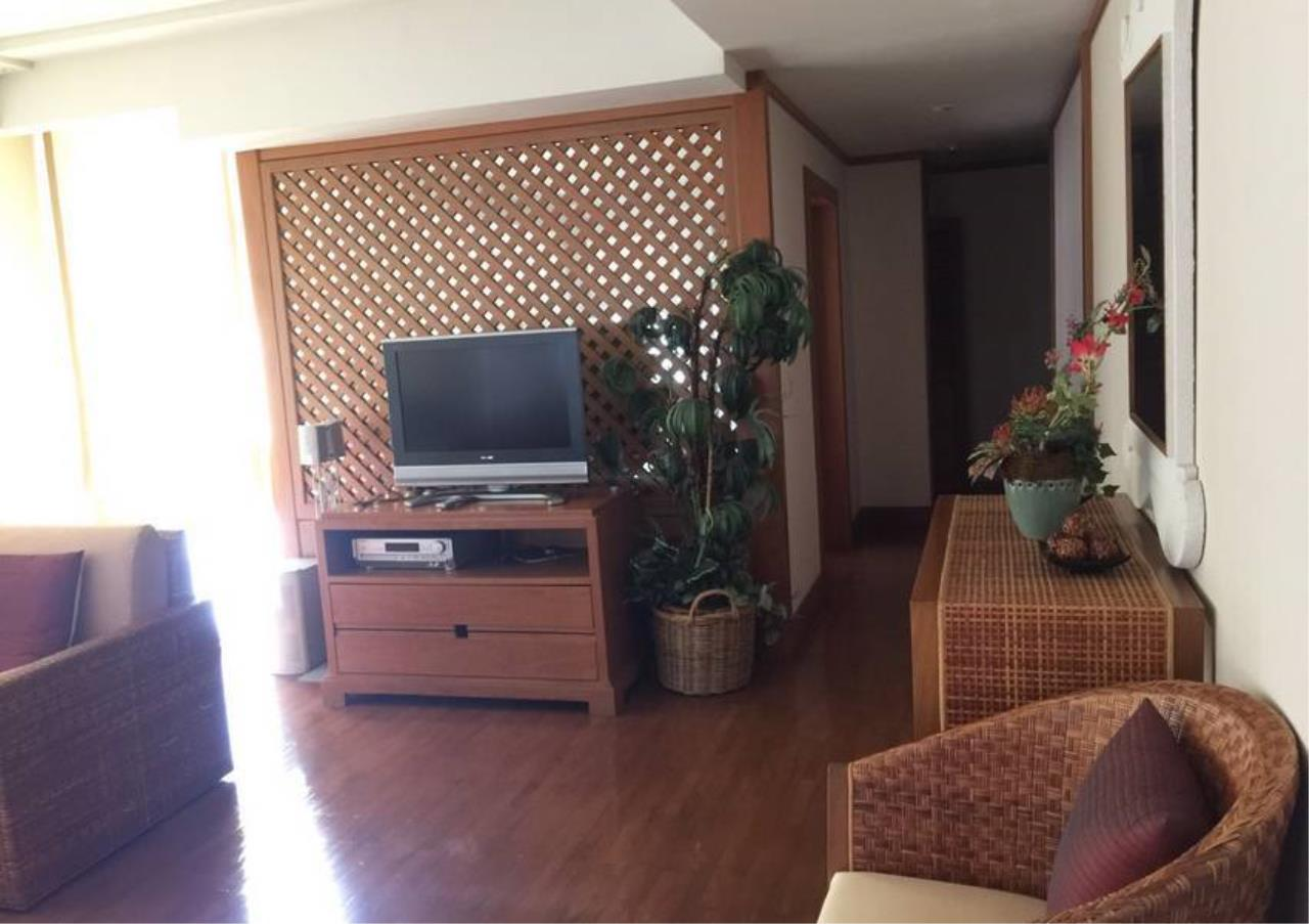 Bangkok Residential Agency's 2 Bed Condo For Rent in Chidlom BR2917CD 3