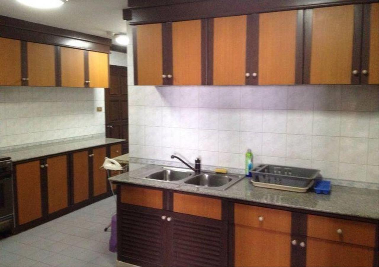 Bangkok Residential Agency's 3 Bed Condo For Rent in Thonglor BR2950CD 2