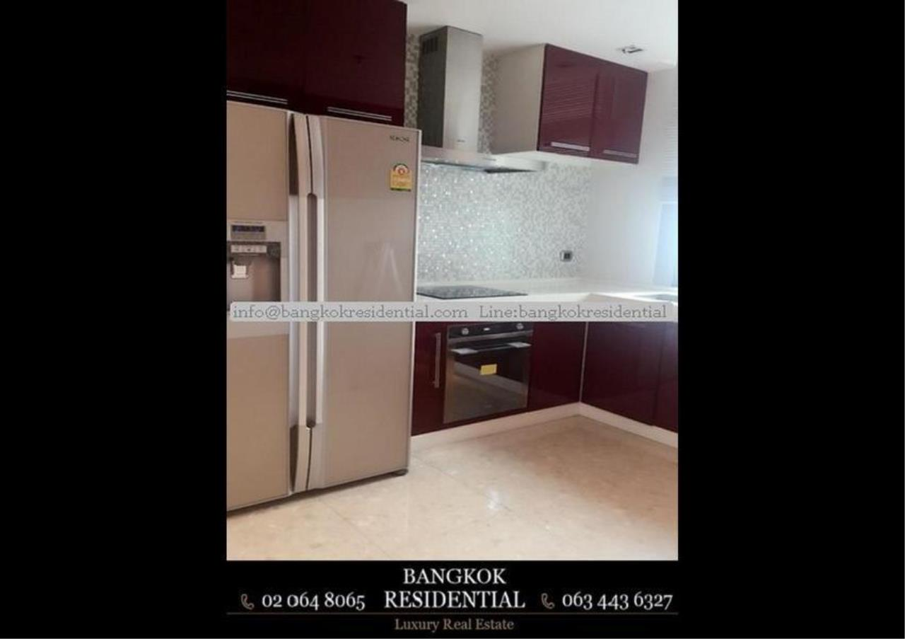 Bangkok Residential Agency's 3 Bed Condo For Rent in Ekkamai BR2961CD 11