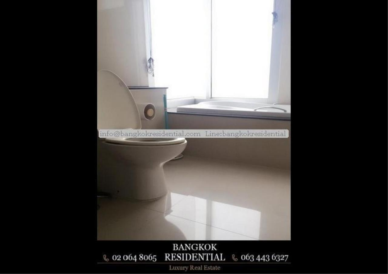 Bangkok Residential Agency's 3 Bed Condo For Rent in Ekkamai BR2961CD 20