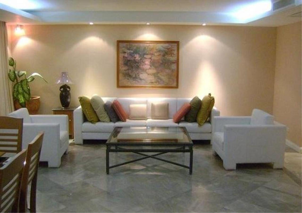 Bangkok Residential Agency's 4 Bed Condo For Rent in Chidlom BR3137CD 1