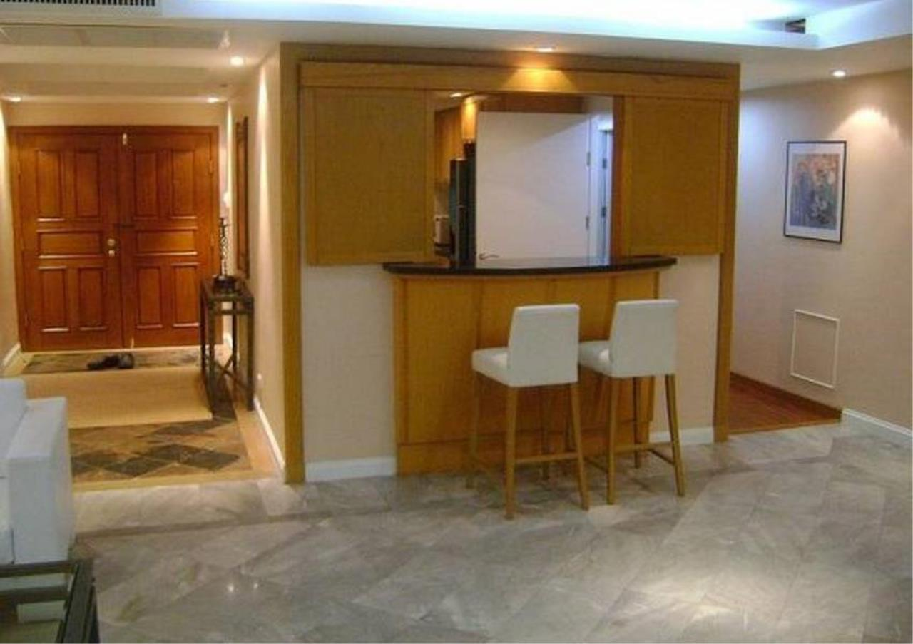 Bangkok Residential Agency's 4 Bed Condo For Rent in Chidlom BR3137CD 2