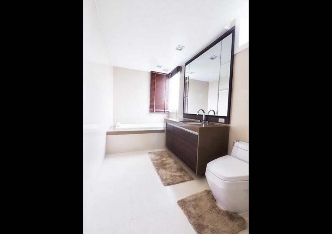 Bangkok Residential Agency's 3 Bed Penthouse For Rent in Asoke BR3253CD 11