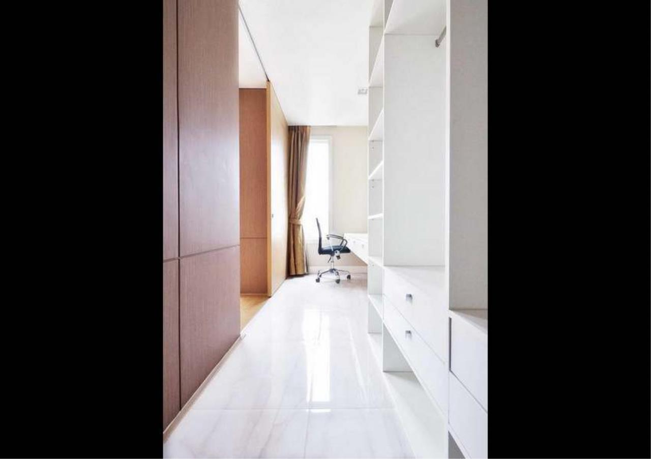 Bangkok Residential Agency's 3 Bed Penthouse For Rent in Asoke BR3253CD 14