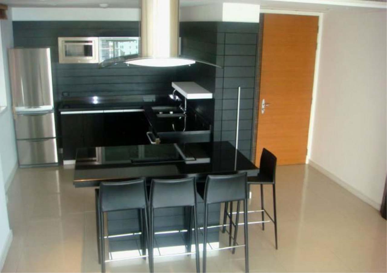 Bangkok Residential Agency's 3 Bed Condo For Rent in Ekkamai BR3432CD 2