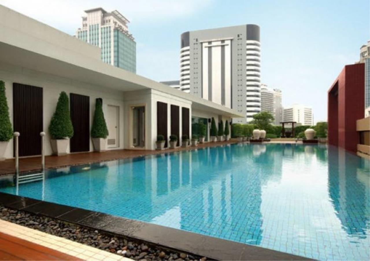 Bangkok Residential Agency's 2 Bed Condo For Rent in Phloenchit BR3467CD 1