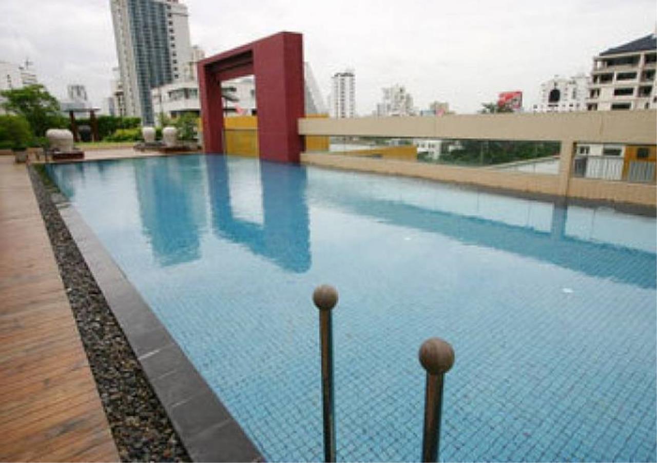 Bangkok Residential Agency's 2 Bed Condo For Rent in Phloenchit BR3467CD 2