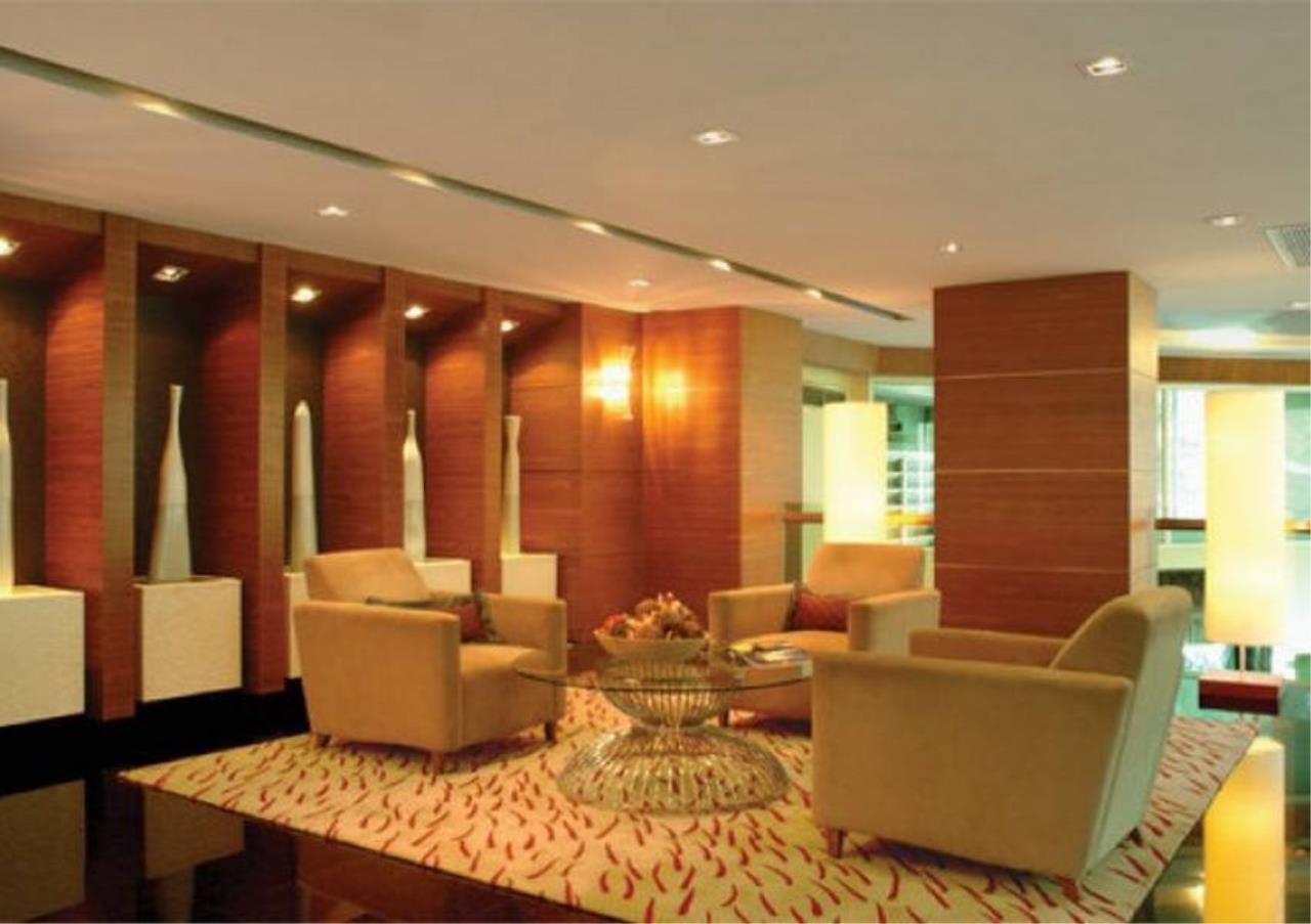 Bangkok Residential Agency's 2 Bed Condo For Rent in Phloenchit BR3467CD 5