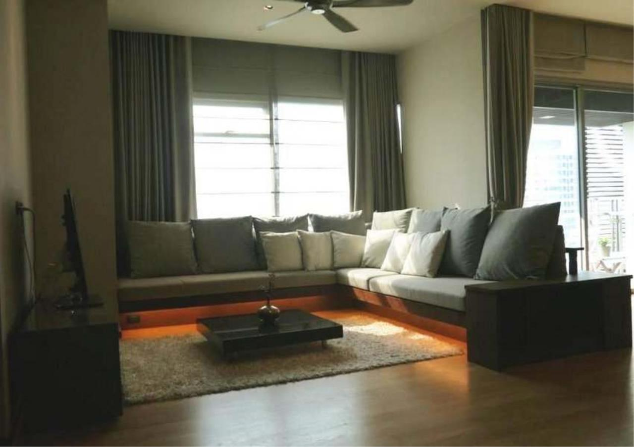 Bangkok Residential Agency's 3 Bed Condo For Rent in Phrom Phong BR3572CD 1